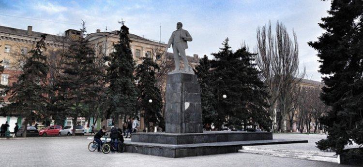 Lenin monument Mariupol