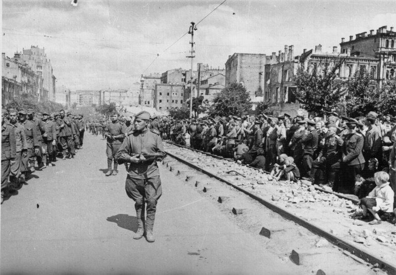 After Stalingrad, the endless march of German prisoners of war began